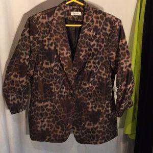 Animal print rushed 3/4 sleeves lined jacket worn1